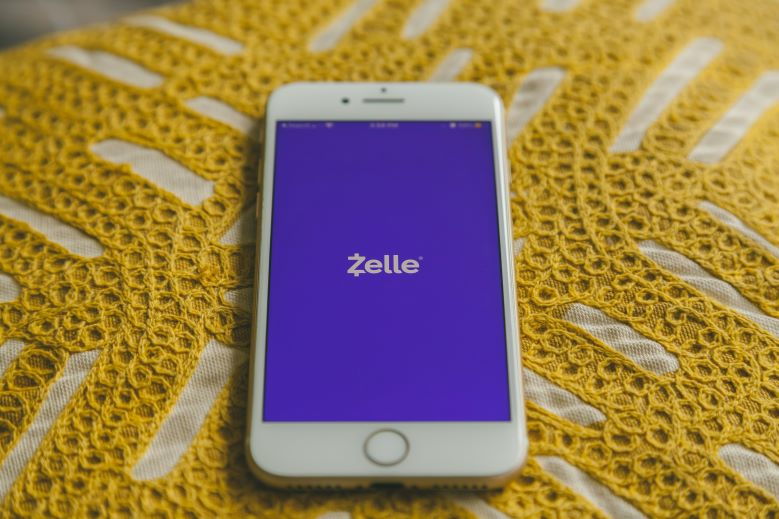 Zelle DOES NOT Work in Canada, but these money transfer apps do! [2021]